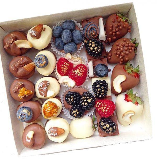 Подарочный набор из фруктов и орехов №2