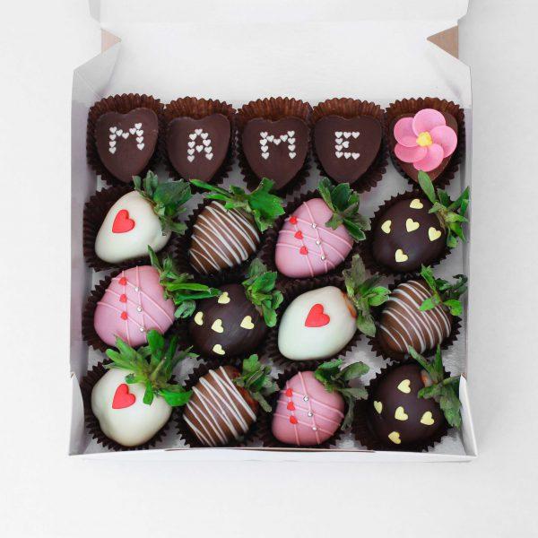 Набор клубники в шоколаде с конфетами №3