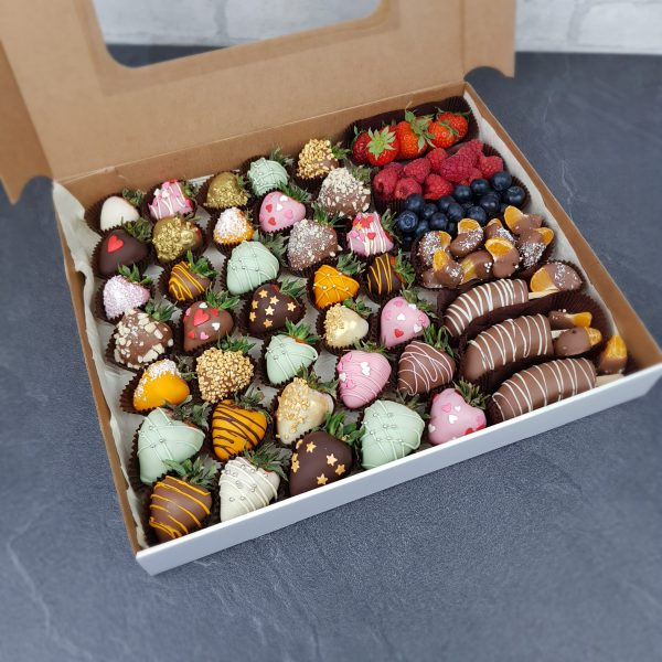 Клубника в шоколаде с фруктами и ягодами в шоколаде фото1