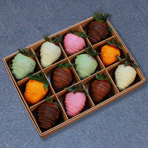 Клубника в шоколаде из 6 вкусов, 12 ягод