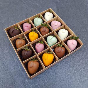 Клубника в шоколаде из 8 вкусов, набор 16 ягод